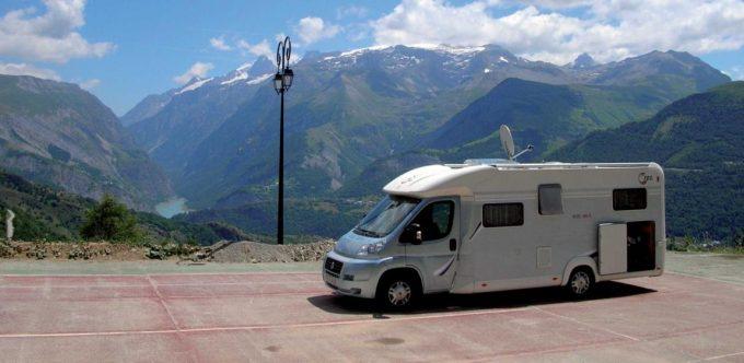 Aire camping car Auris
